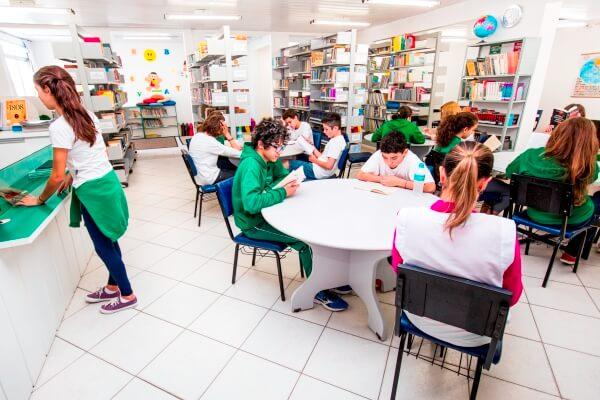 biblioteca-colegio-geracao-1
