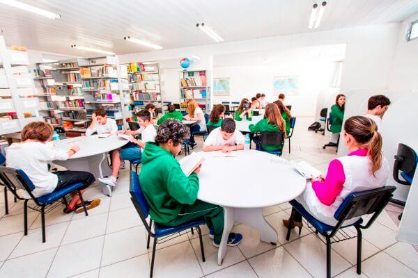 biblioteca-colegio-geracao-2