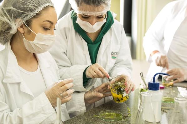 laboratorios-colegio-geracao
